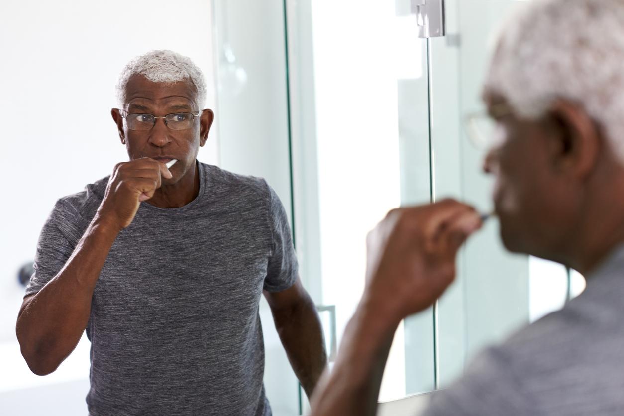 El manejo de la diabetes incluye el cuidado dental